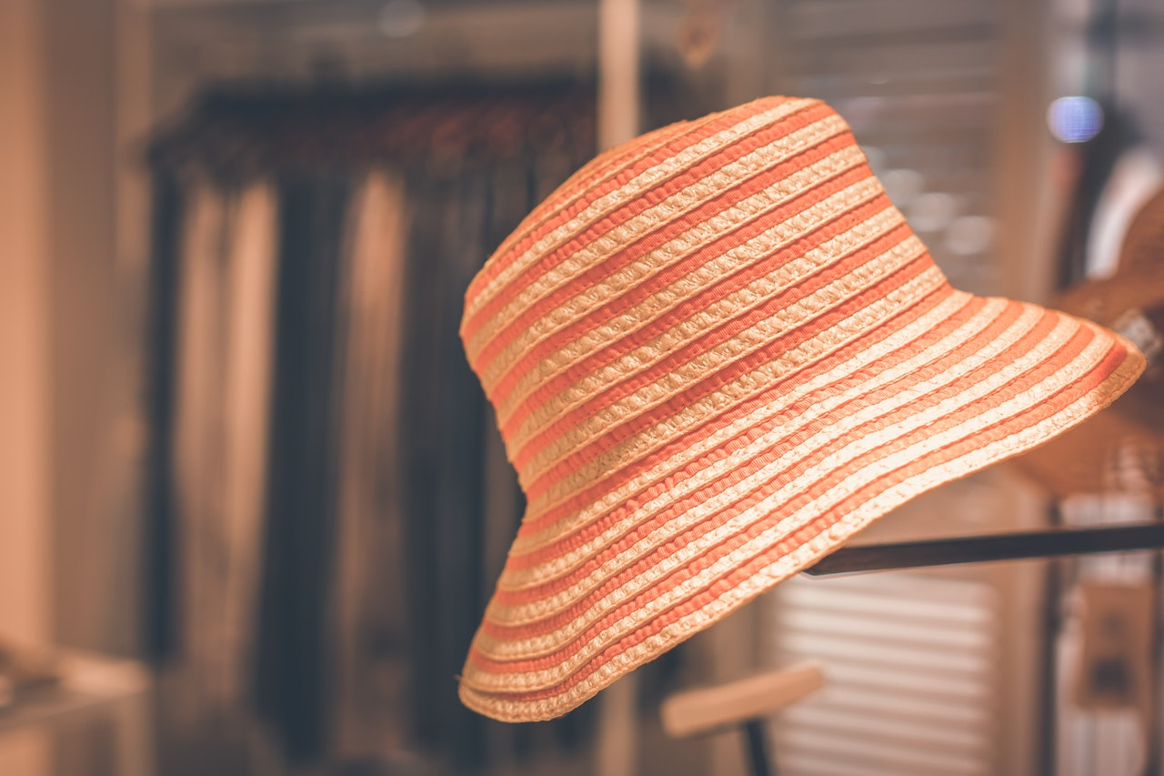Waarom een hoed of pet dragen belangrijk is